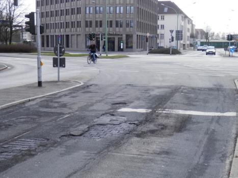 http://daten.mueck.de1.cc/verkehr/P2277357ss.jpg
