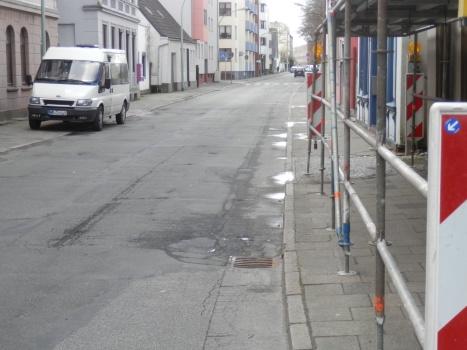 http://daten.mueck.de1.cc/verkehr/P3237982ss.jpg